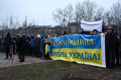 Ukraine on the brink of a (civil) war?